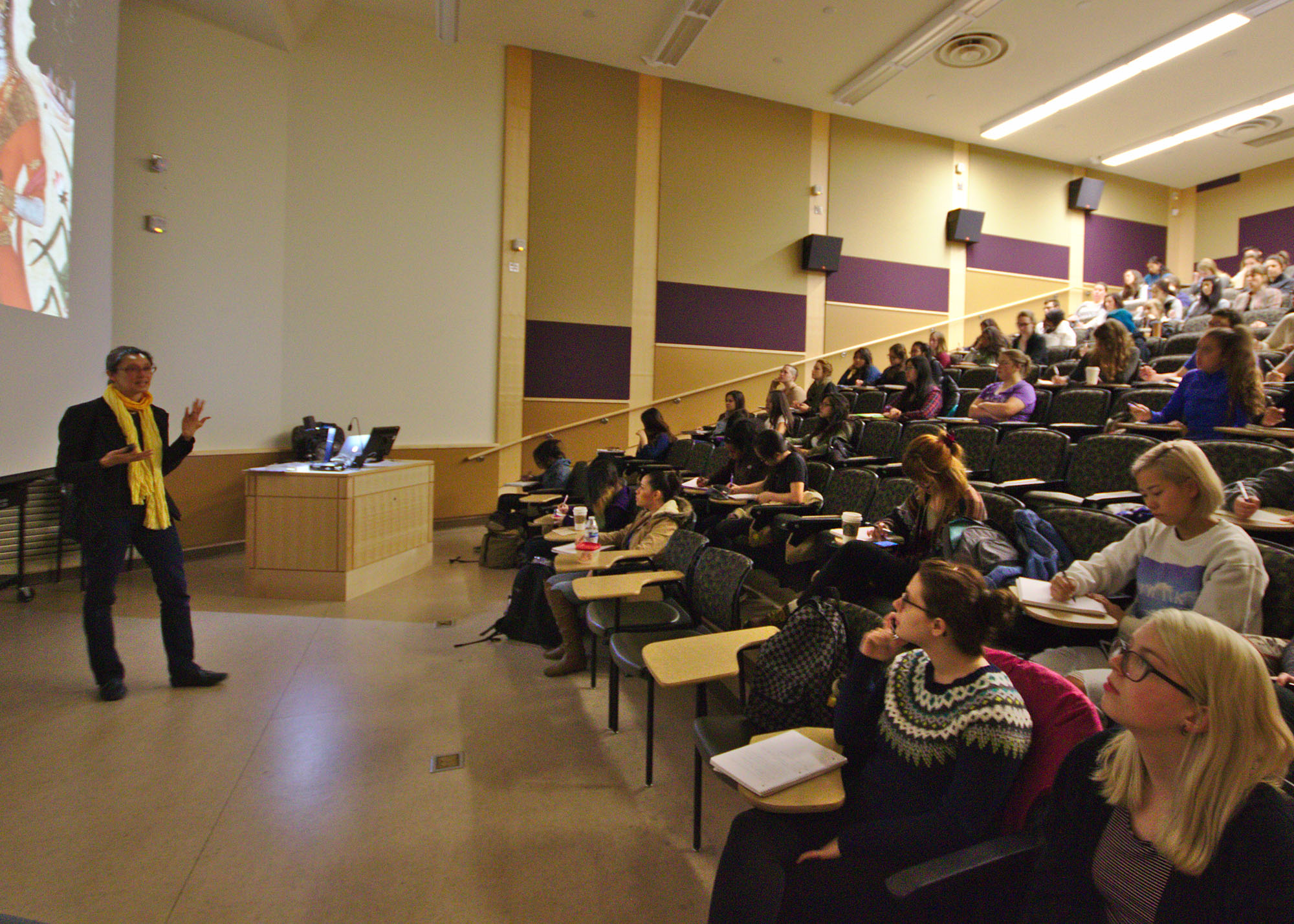 Global_Feminist_Art_class_at_University_of_Washington,_2015-04-23_06