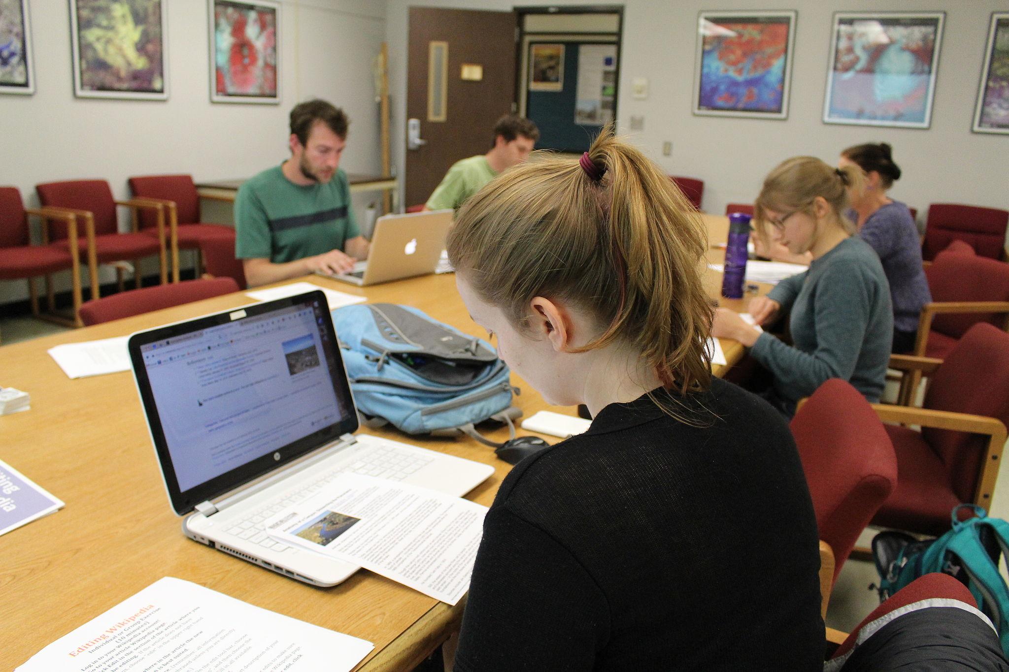 OSU Hyrdophiles students edit Wikipedia