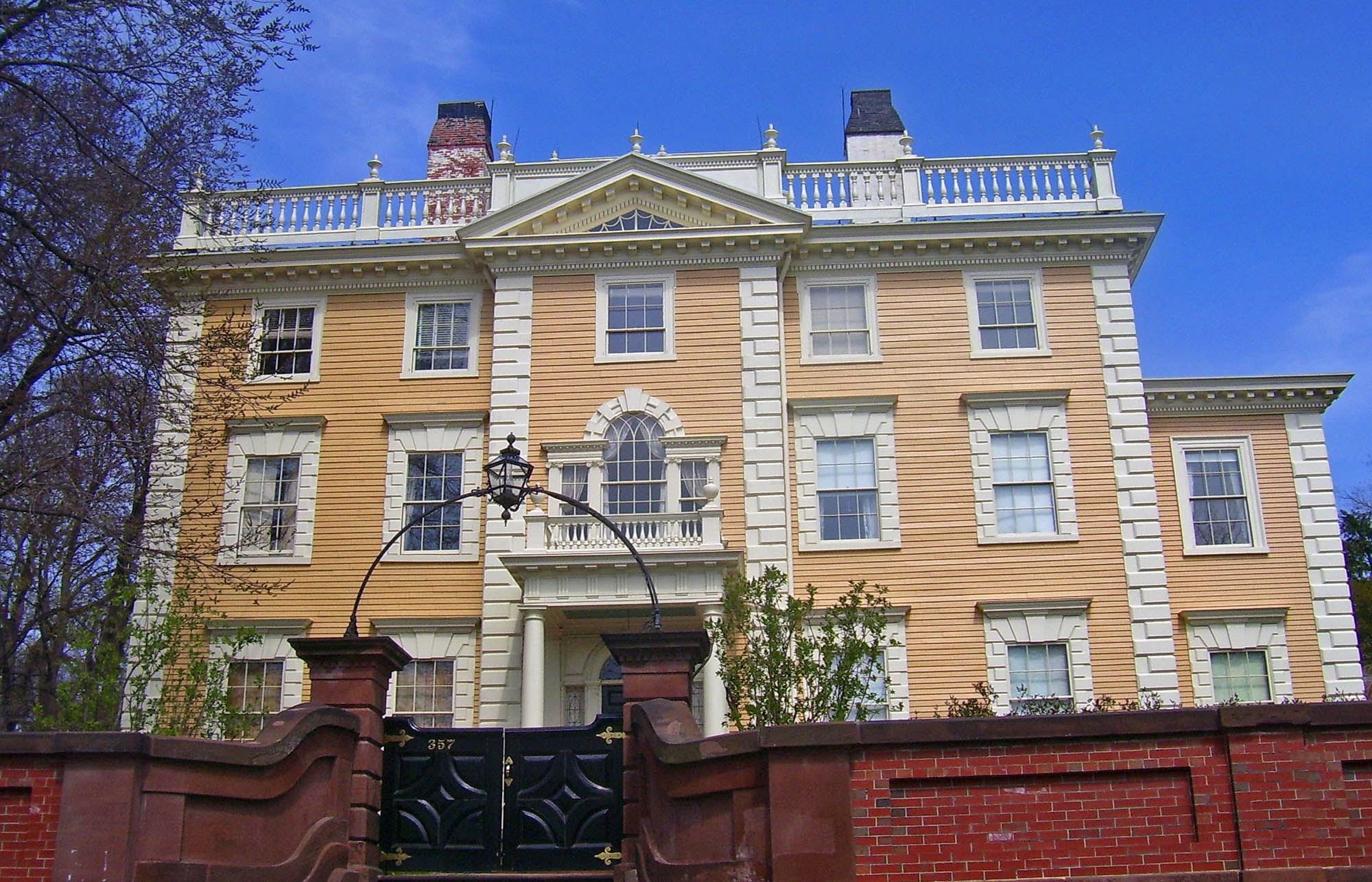 Join a wiki ed workshop at brown university wiki education for Light brown house